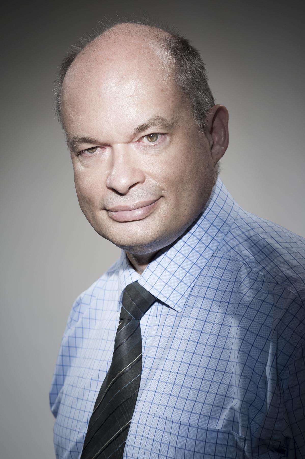 Dr. SIMON Pierre